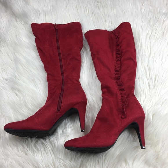 058bbbbe631 Jaclyn Smith Red Heeled Boots Size 6
